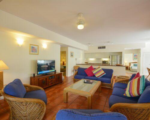 Balboa-Port-Douglas-Apartments-Unit-1 (1)
