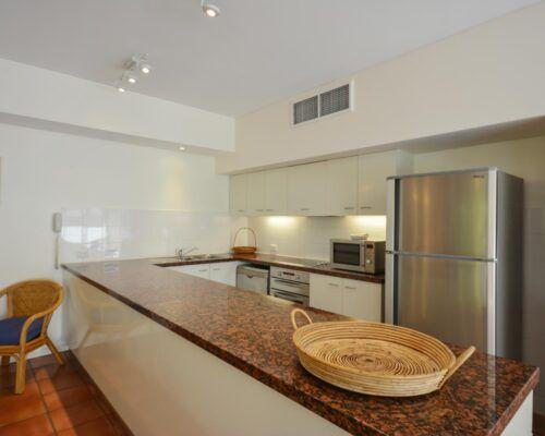 Balboa-Port-Douglas-Apartments-Unit-1 (8)