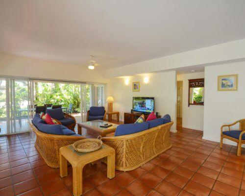 Balboa-Port-Douglas-Apartments-Unit-1 (9)